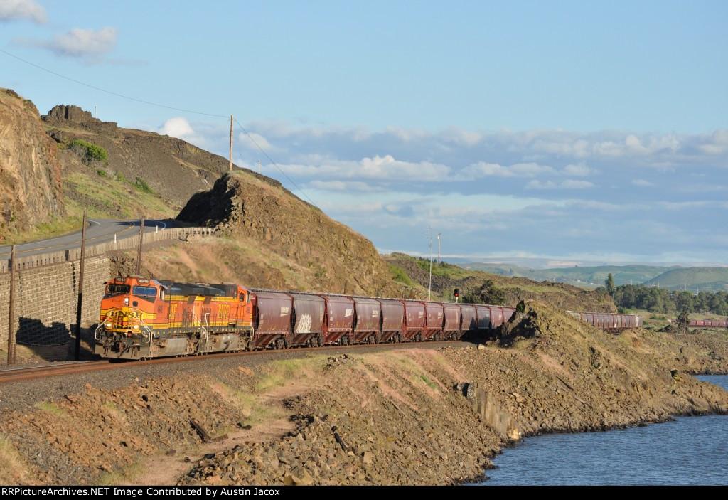 BNSF 4948 Grain