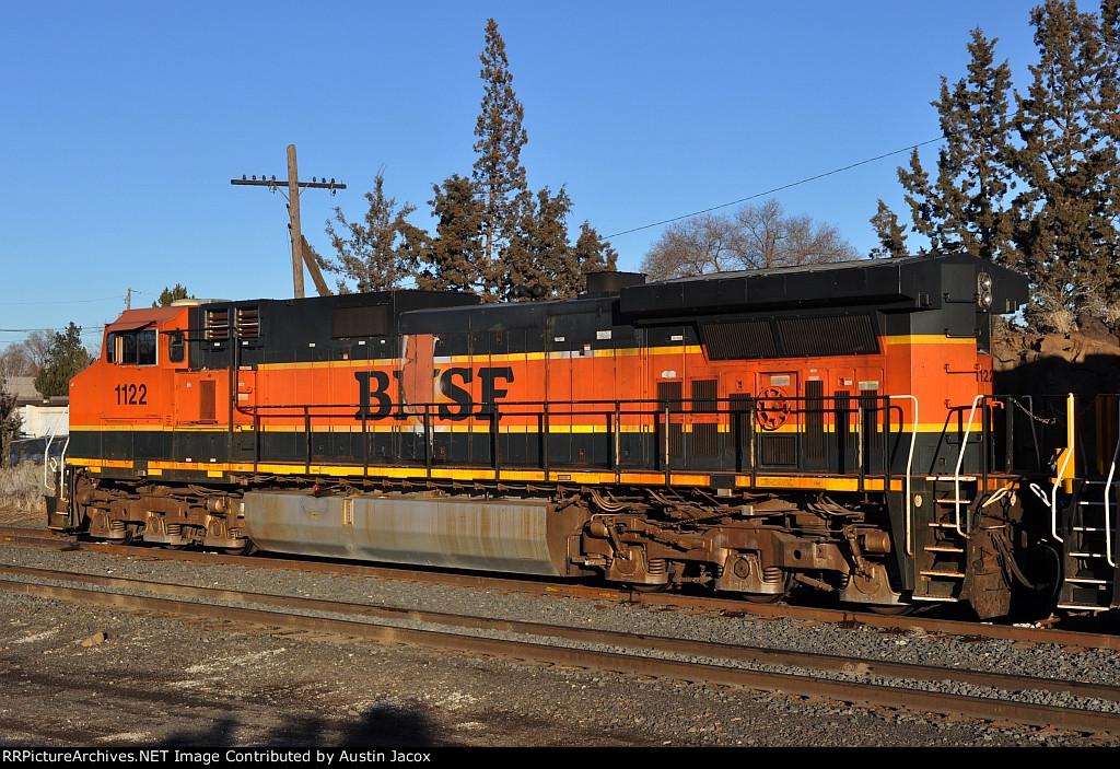BNSF 1122