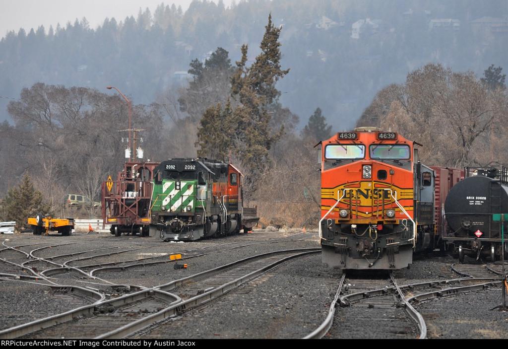 BNSF 2092 & 4639