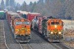 BNSF 4007 & 2307