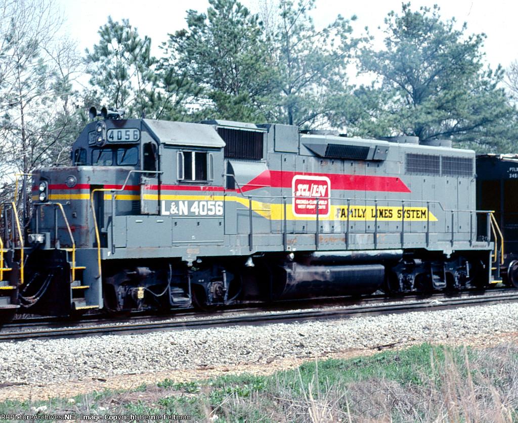 Louisville & Nashville GP38-2 #4056