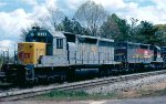 Louisville & Nashville consecutively numbered SD40's #1226 & 1227