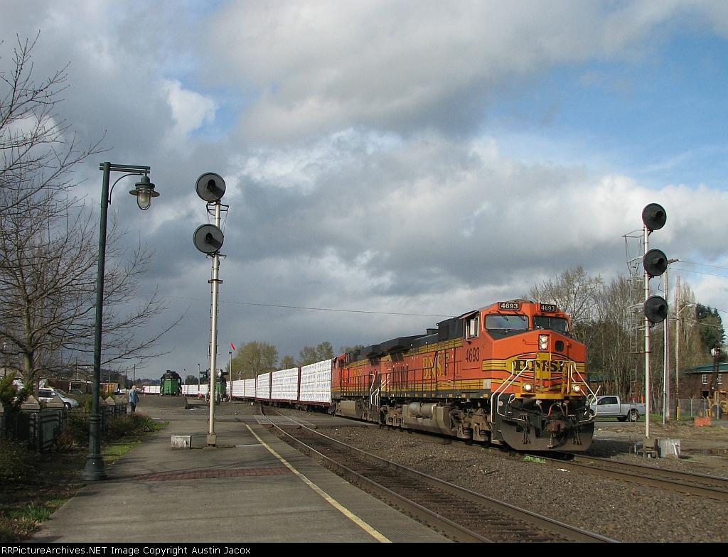 BNSF 4693