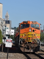 Southbound BNSF 4768