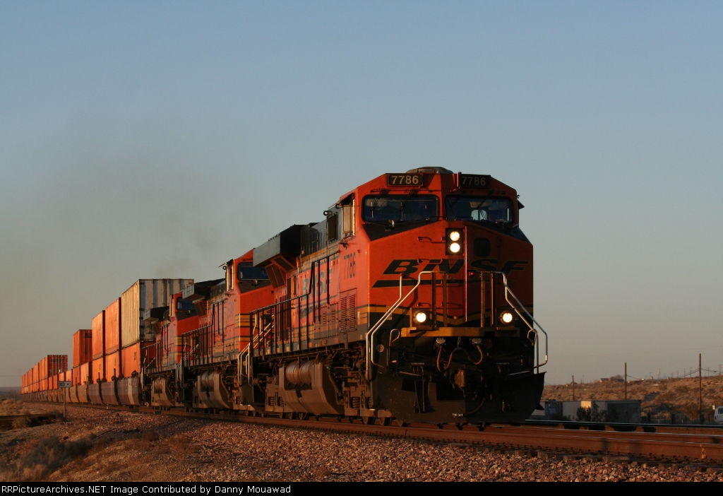 BNSF 7786 does 70 MPH