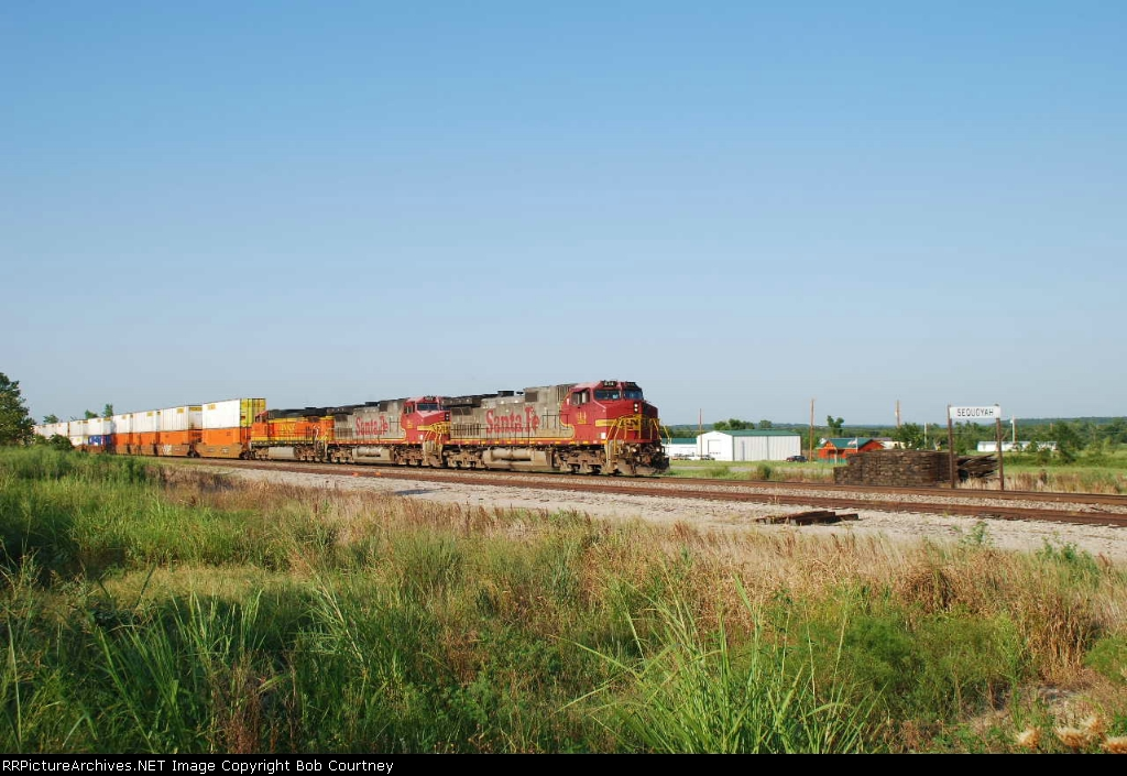 BNSF 644 rolling west on the Cherokee Sub