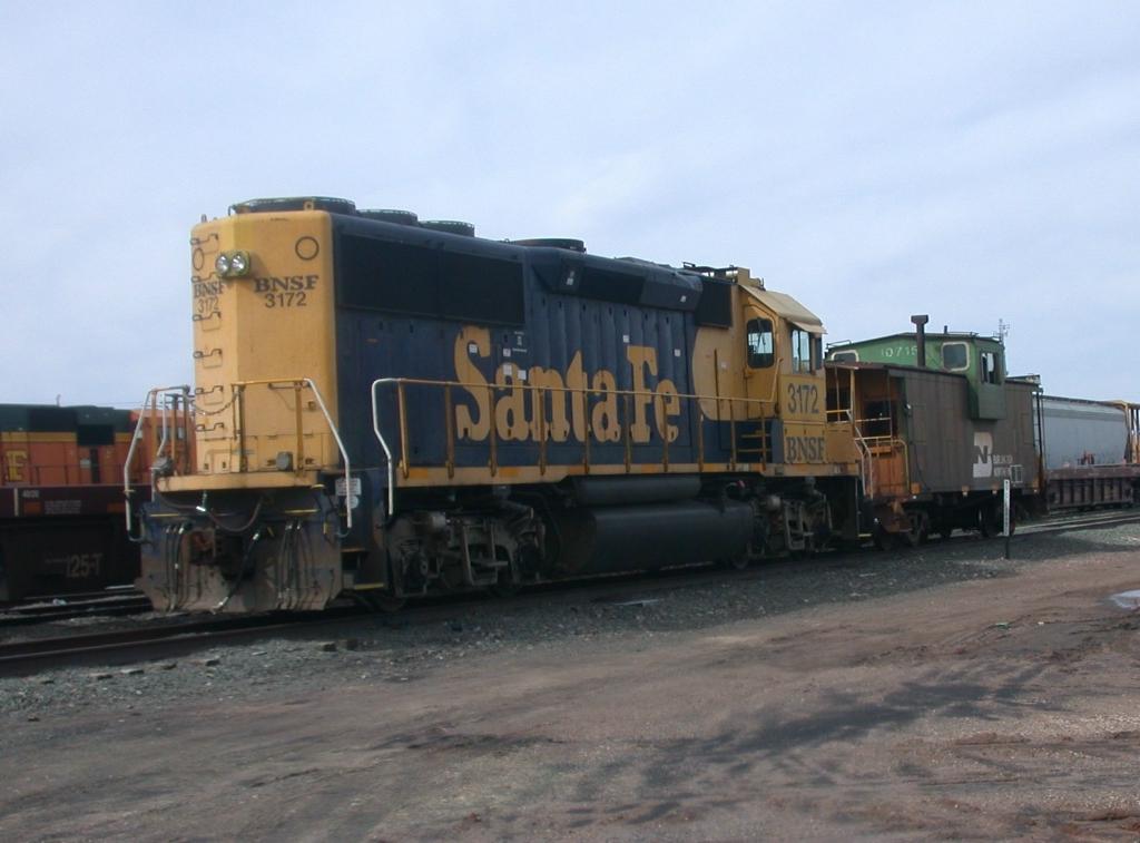 BNSF 3172,  28Feb2010  Engine Idling with Caboose in Yard