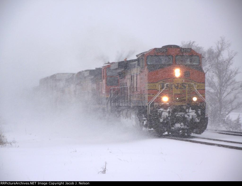 BNSF 5705