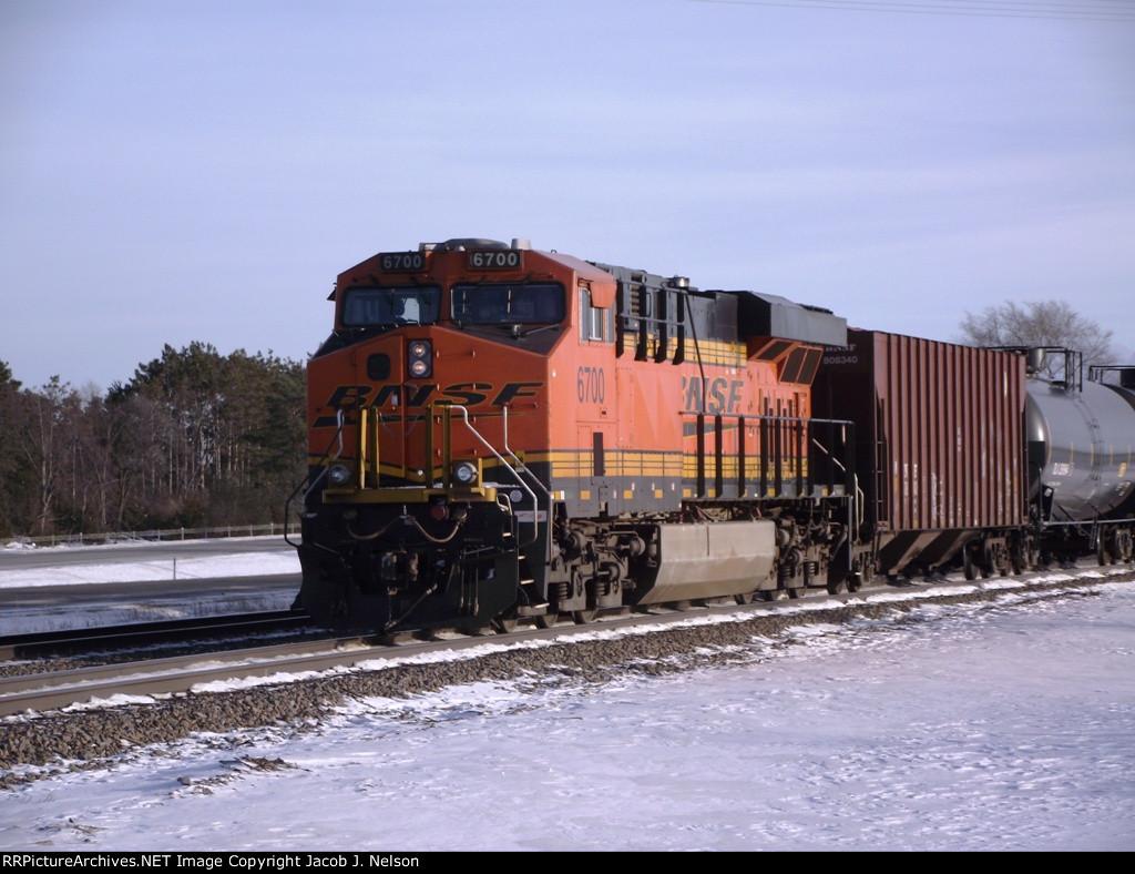 BNSF 6700 (DPU)