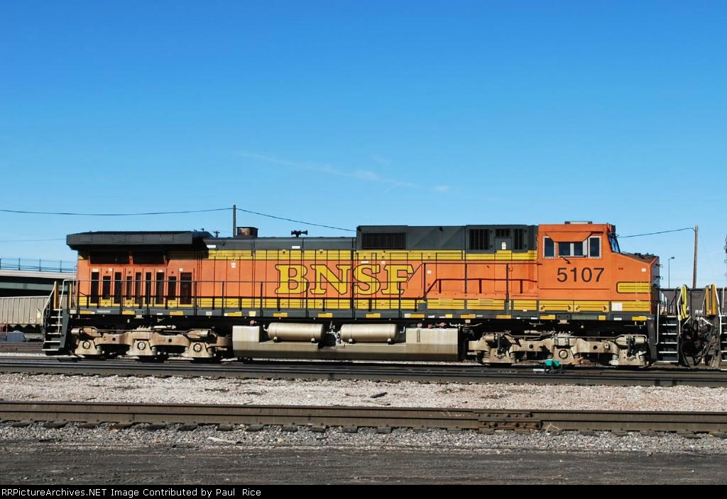 BNSF 5107