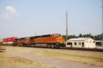 BNSF 7549 leads a stack trian thru