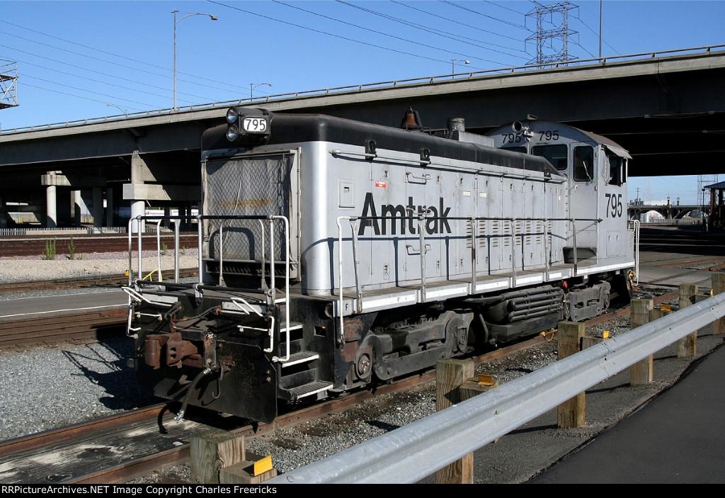 Amtrak Switcher at 8th Street LA