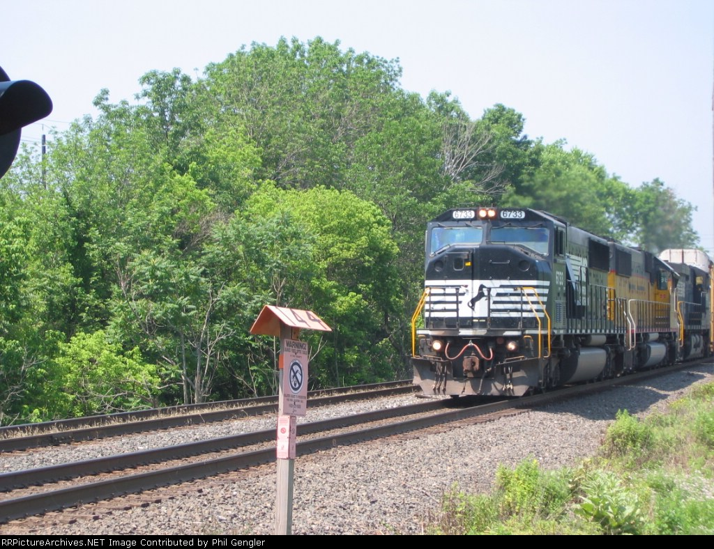 NS 6733