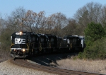NS 3414 leads 868 around the curve