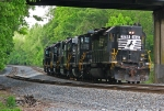 NS 3265 with a light engine move waiting for 282