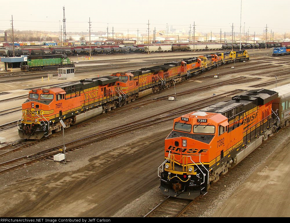 LOTS of BNSF power