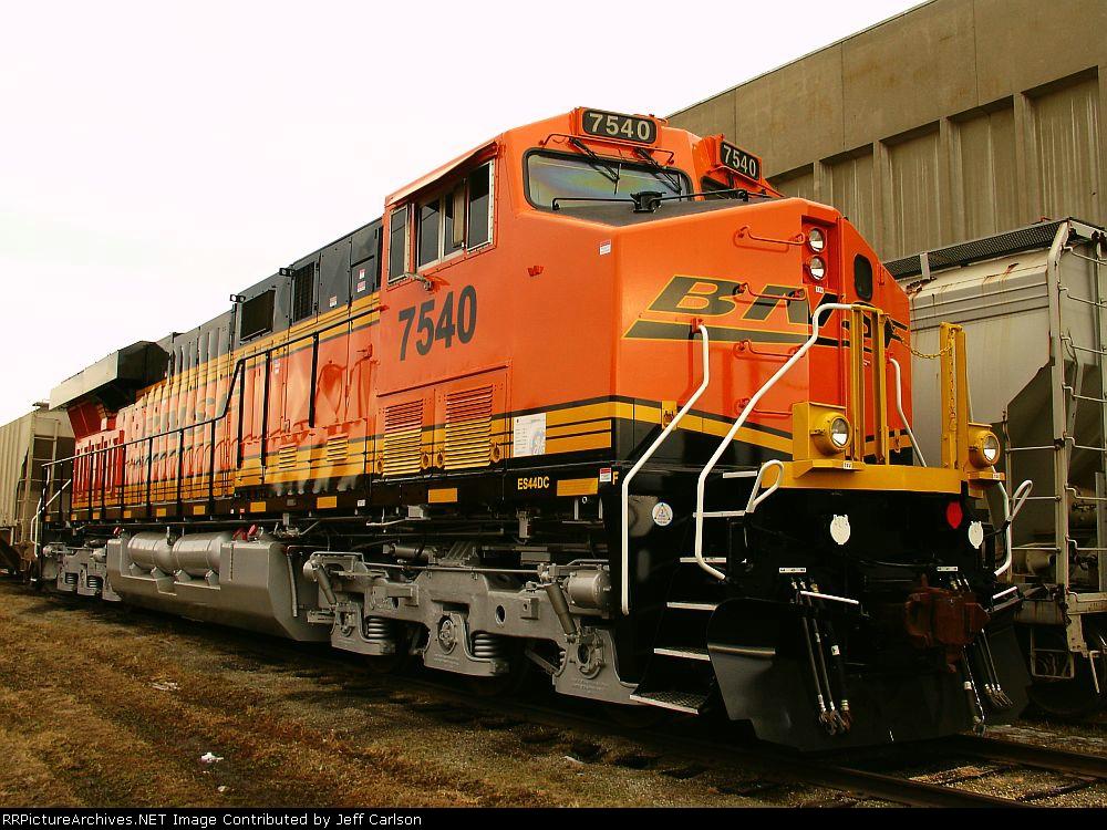 Wreck-rebuild BNSF 7540