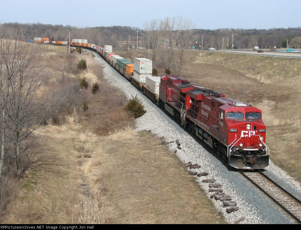 CP's train 152 rolls east as X500-26