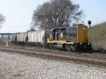WAMX 3829 comes off the Hughart Runner with Z739's 4 cars for the GRE