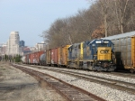 Y450 pulls down to Plaster Creek on Track 2 with 77 cars from the GDLK