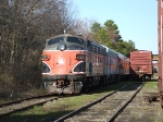 Just arriving from Salem yesterday(4/1/2010), SRNJ #727 (F7A) is put on the back-burner