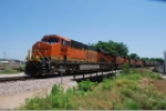 BNSF 6622 leads a unit grain empty around the west leg of the wye