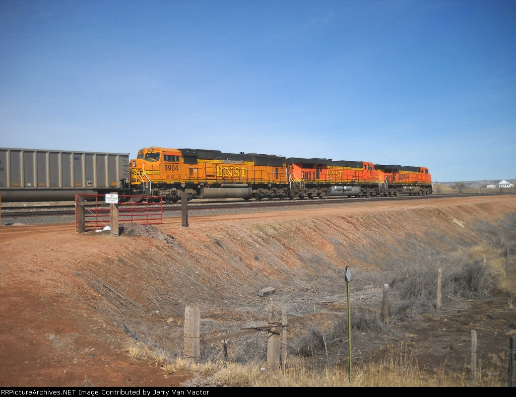 BNSF 9904 and partners wb