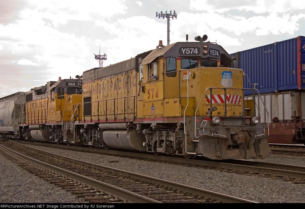 UPY 574 & UP 563