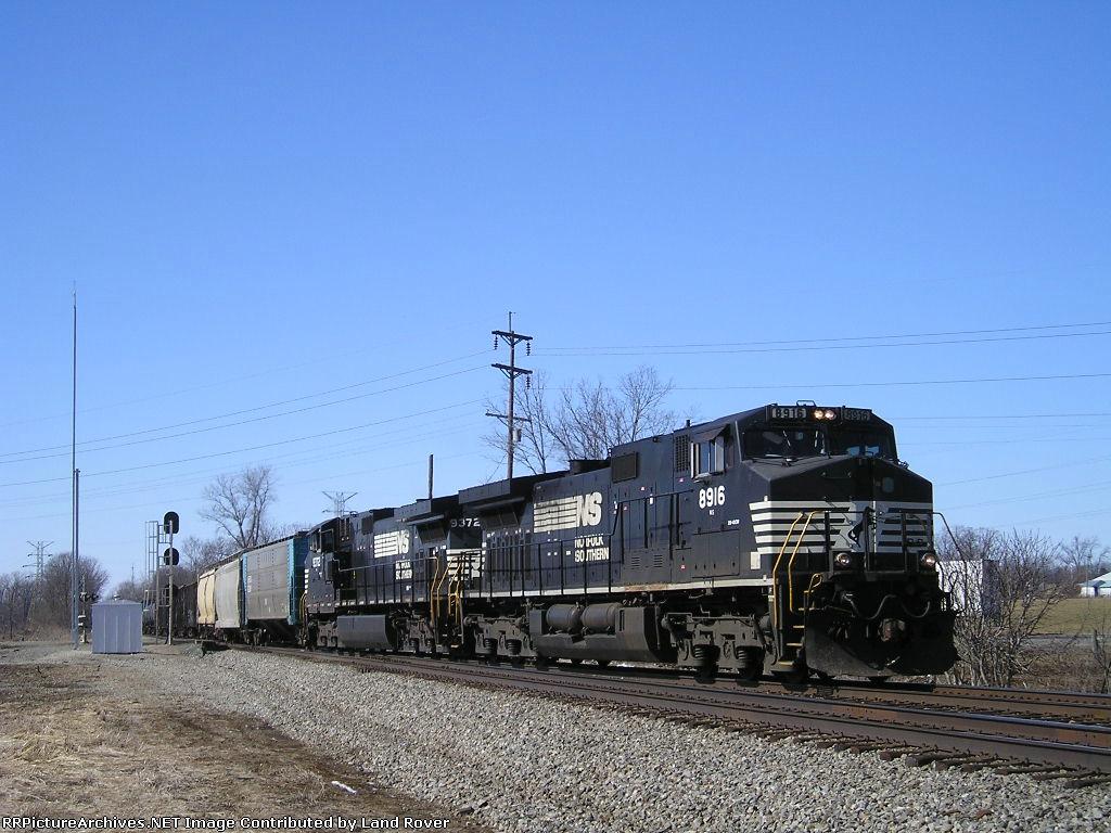 NS 8916 On NS 123