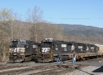 The SB crew heads to NS 9357 which has 5 motors behind her