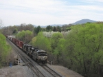 The SB V91 is stopped just south of the yard