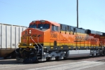BNSF 7388 starts to pull west as she leads the Z KCK-SBD.