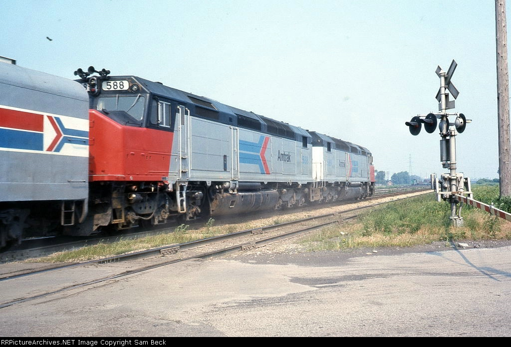 AMTK 588 and 589