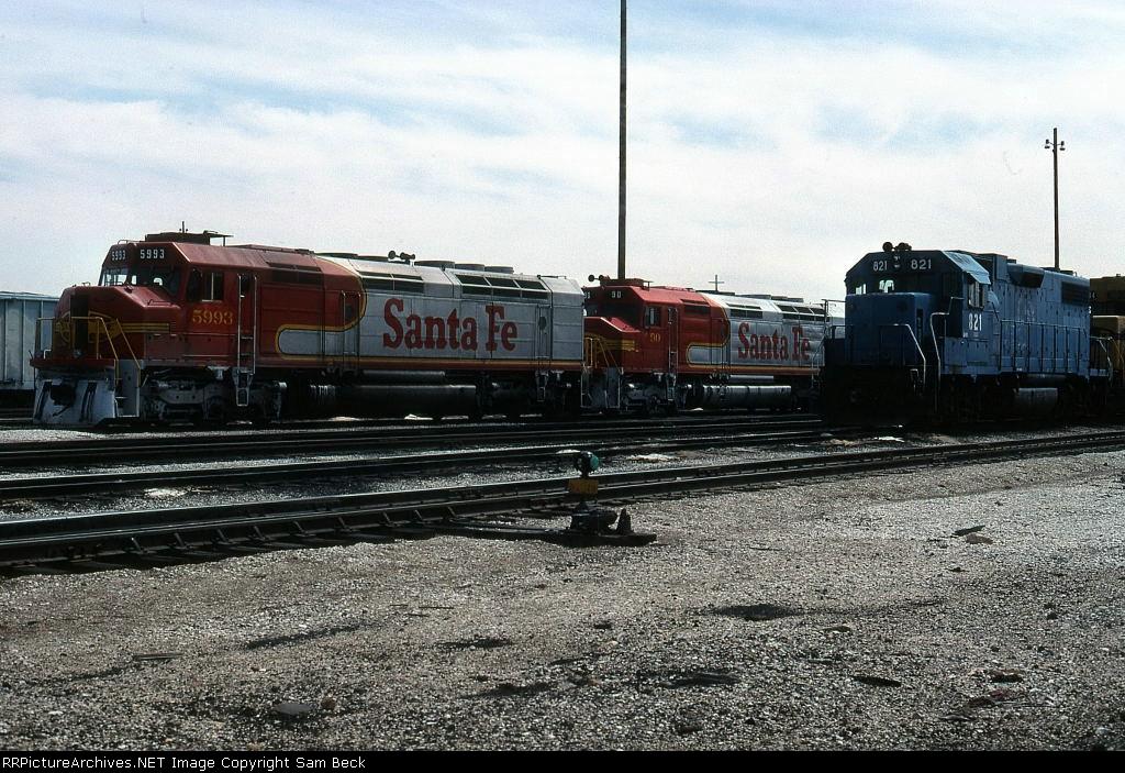 ATSF 5993, 90, and EMDX 821
