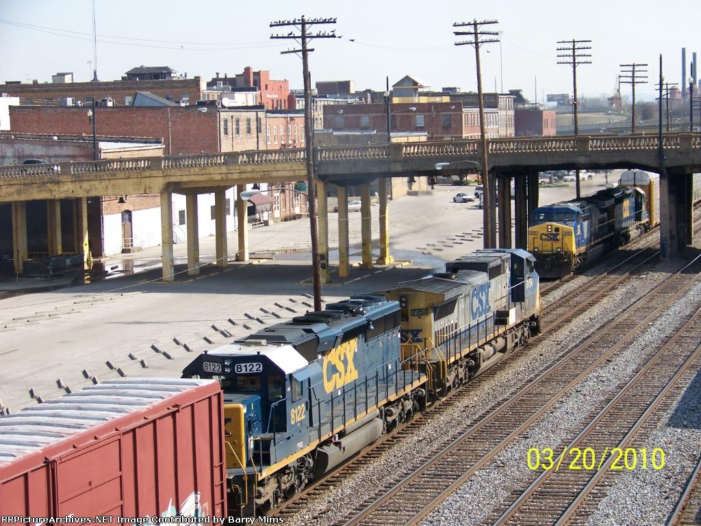Train meet..northbound Q680 and southbound Q235