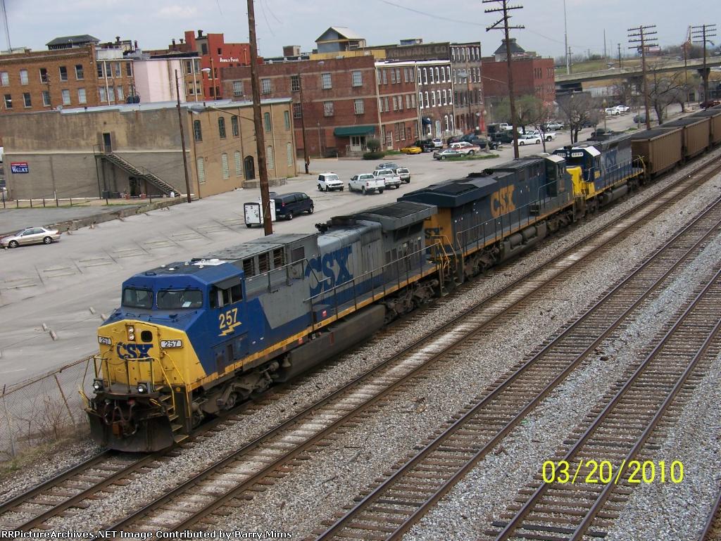 CSX 257 leads train T108
