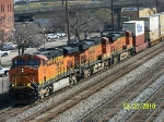 BNSF 7238 leads two other BNSF mates on Q185