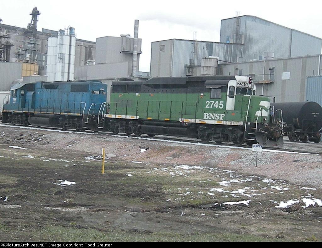 BNSF 2745