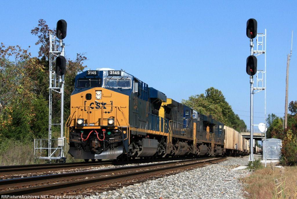 CSX 3145 and train Q409