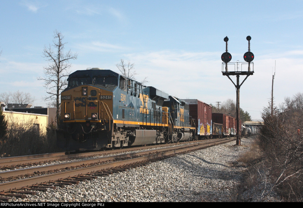 CSX 5241 at Rossville, MD