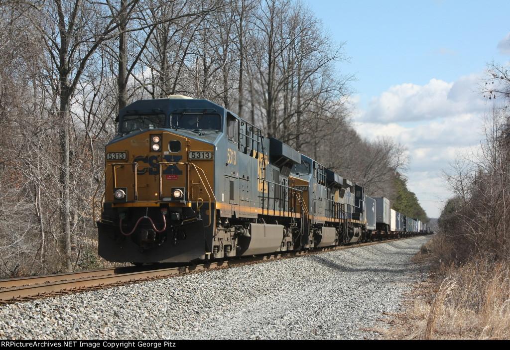 CSX 5313 and train Q031