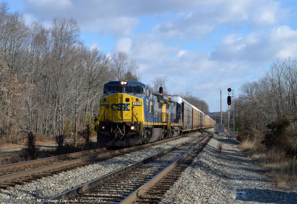CSX 7327 and train Q217