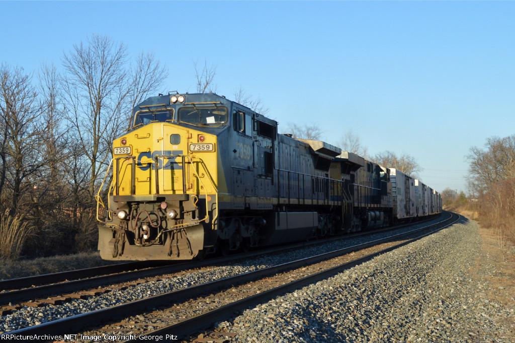 CSX 7359 and train Q745