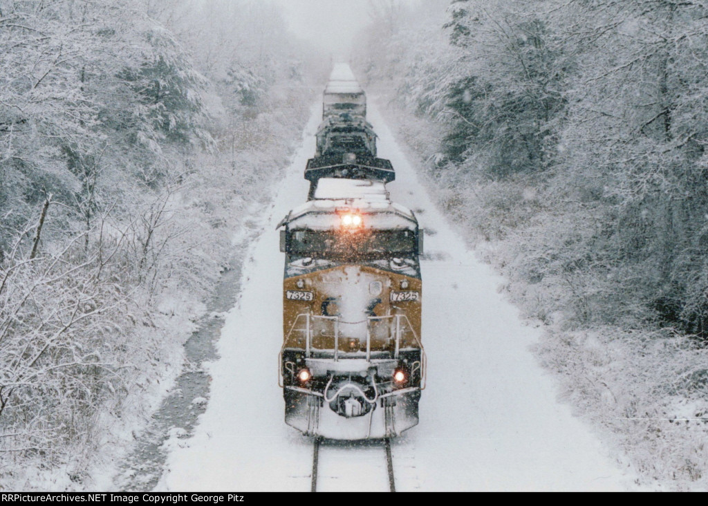 CSX 7325 in a white wonderland