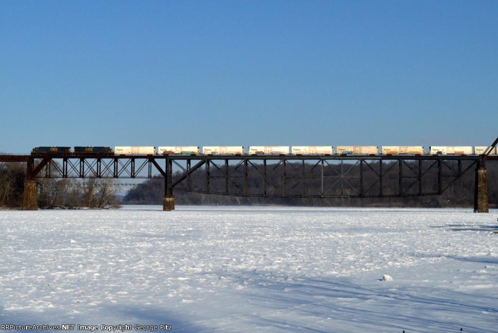 CSX train Q741