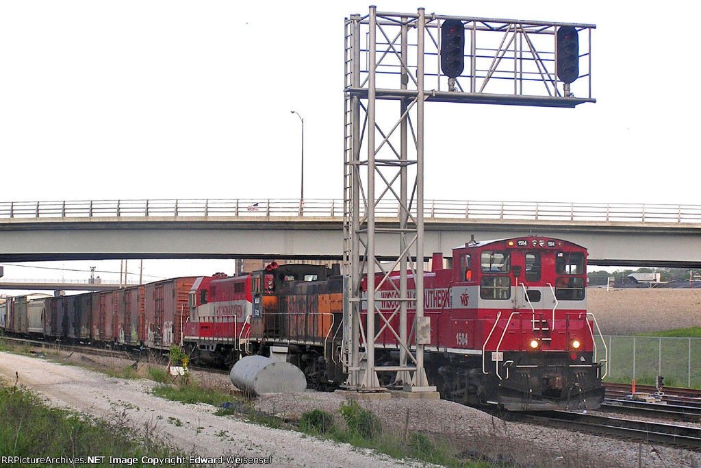 Gosling 1504 leads the outbound holiday extra beneath Canal St. to main 1
