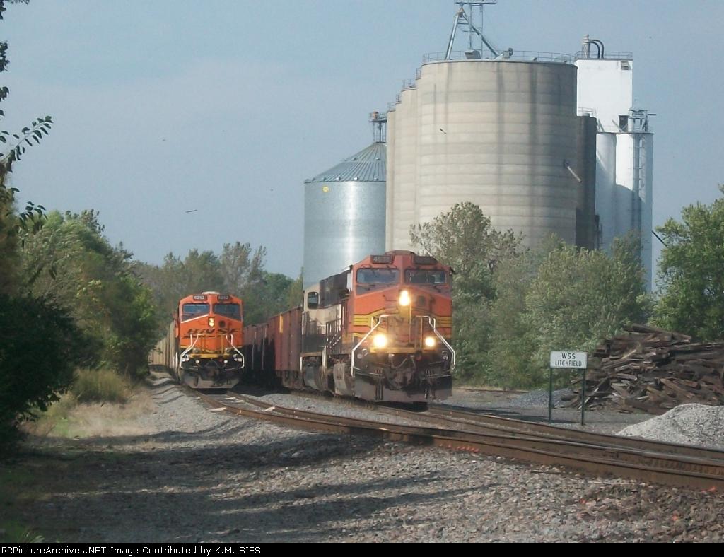 BNSF 4918 & BNSF 6252