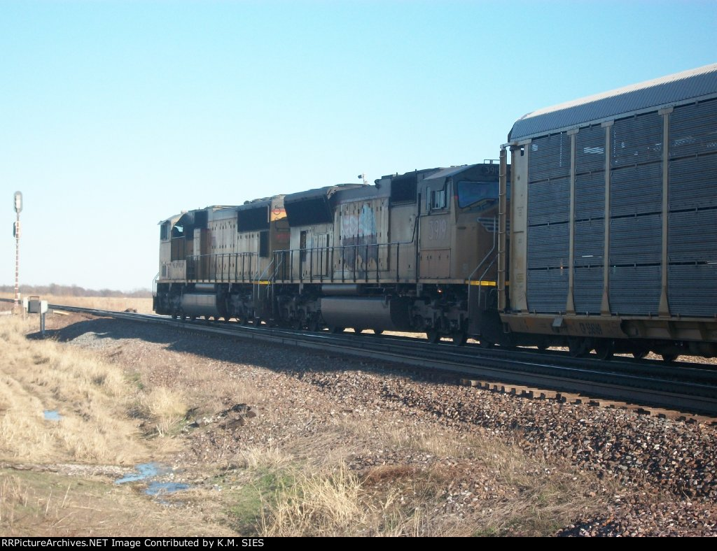 UP 4303 & UP 3919