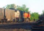 "BNSF 5739 & BNSF ""Barf Bonnet Scheme"" 9647 on E-CEBNAM1-01A"