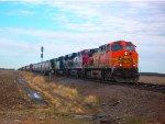 BNSF 5601, FXE 4679, NS 2752, & NS 9189 lead BNSF H-GALMAD